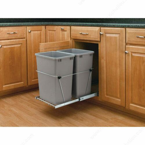 Richelieu WEBKIT1242247 Rev-A-Shelf RV Series Set for Hinged Door